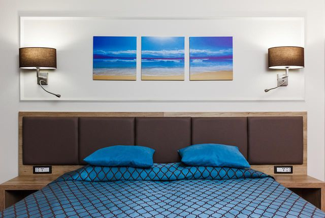 Tiara Beach - SGL room